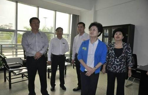 漳州科技学院黄铁枝副董事长,林炎平主任,林艺珊副主任陪同并汇报漳州图片